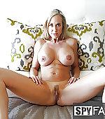 legs milf mom
