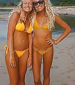 twins surfer