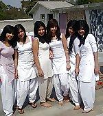 play girls holi