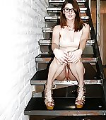 Amber hahn sitting