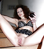 Wife with wet pussy