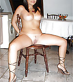 Sexy naked mom