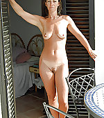 Sexy naked wife