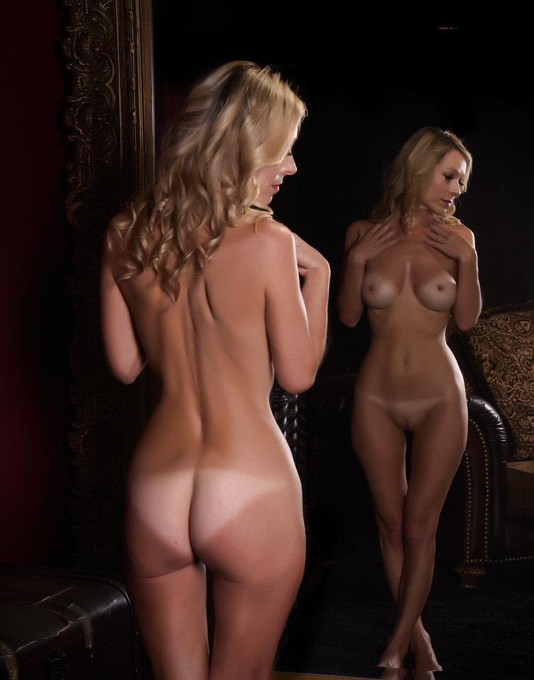 Mirror Nude Photos